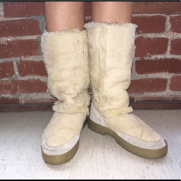 fbde4f63dbe greece ugg boots with fur on outside a95e2 8b4d4